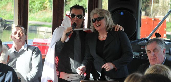 Dave dean Elvis tribute singer John Rennie for Bath Narrowboats